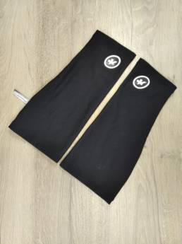 Thermal Knee Warmer Assos Black and White (3)