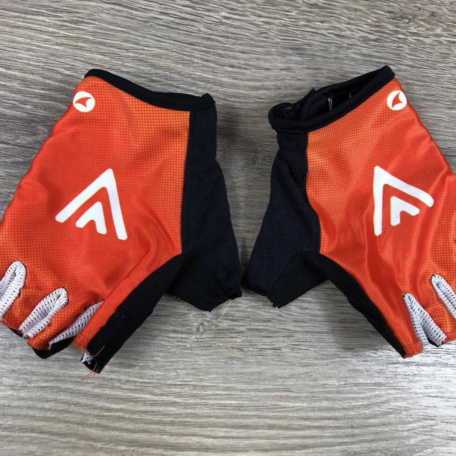 Pro Team Ascent Gloves - Rally Cycling 00003281 (1)